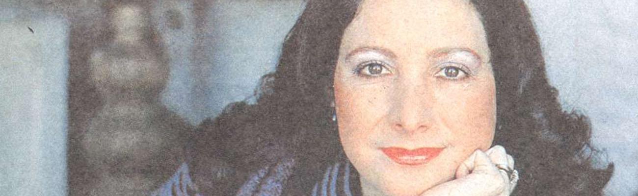 Gloria Simonetti | Una geisha prematrimonial